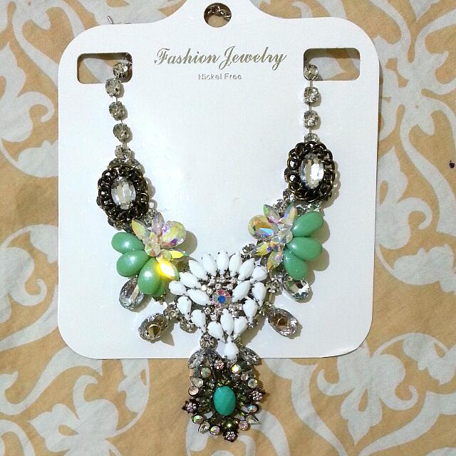 Reprice Chrystal Statement Necklace