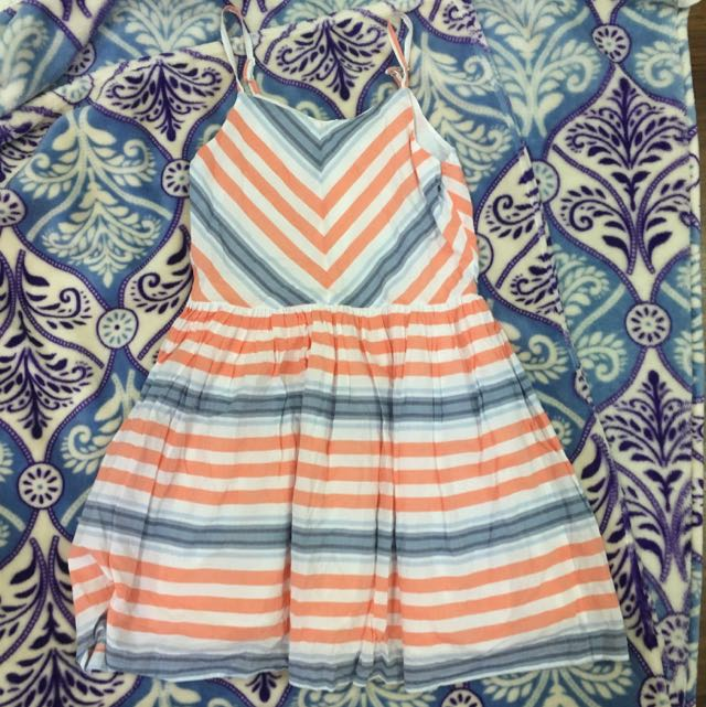 Very Pretty And Sweet Baby Doll Dress. Fits Xs To S. In Very Good Condition. Just Need Some Ironing 😄 Used 2x Only. (price Reduced)