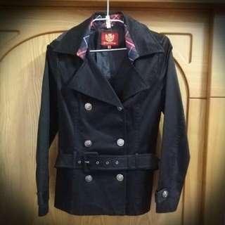 🚚 專櫃品牌修身外套(黑)