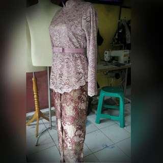 Kebaya Modern Batik 1 Stel