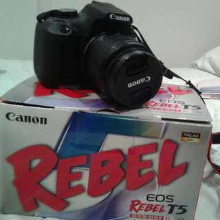 CANON EOS REBEL T5 just no charger 4 months used