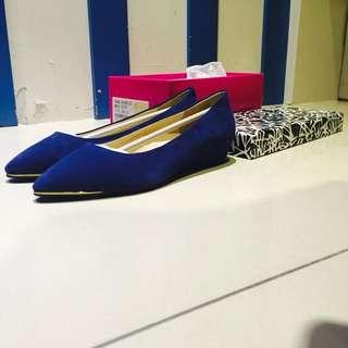 全新Miss21金屬尖頭低跟真皮女鞋
