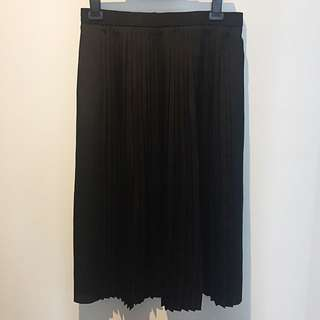 Country Road Pleated Midi Skirt