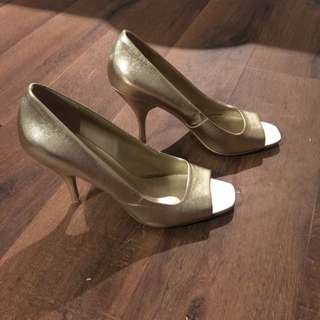 Size 9 Gold Pumps With Peep Toe