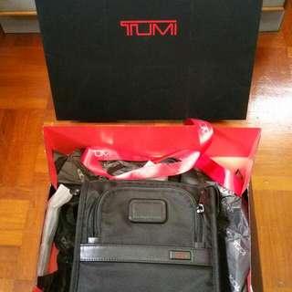 Tumi Alpha 2 Pocket Bag