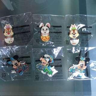 6 Badges / Pins From Tokyo Disneyland And Tokyo Disneysea