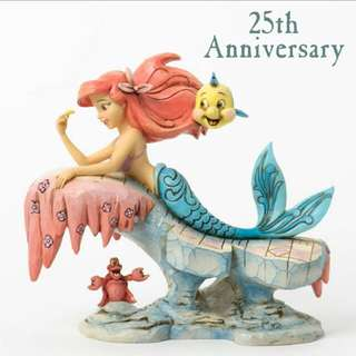 Disney Showcase Collection - Little Mermaid On Rock 4037501