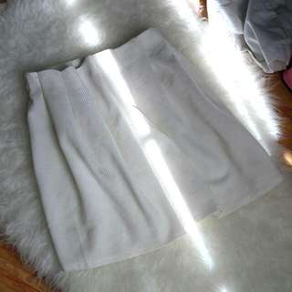 brand ADA Women White Flare Skirt ( rok putih lucu  )