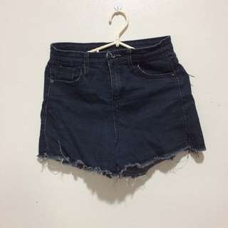 Black Maong Short