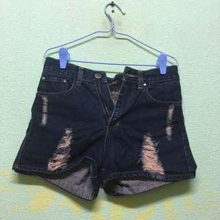 Highwaisted Ripped Shorts Sized S