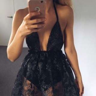 Vincija Handmade Backless Black Lace Dress