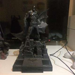 Batman Figurine Gotham City