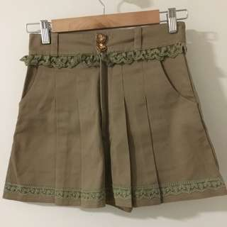 Liz Lisa Military Green Shorts