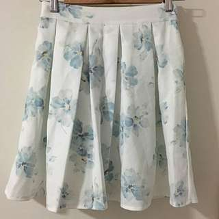ABC Une Face Short Flared Floral Print Skirt