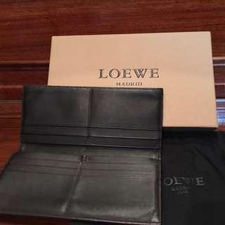 LOEWE咖啡色 小羊皮 對開 長夾