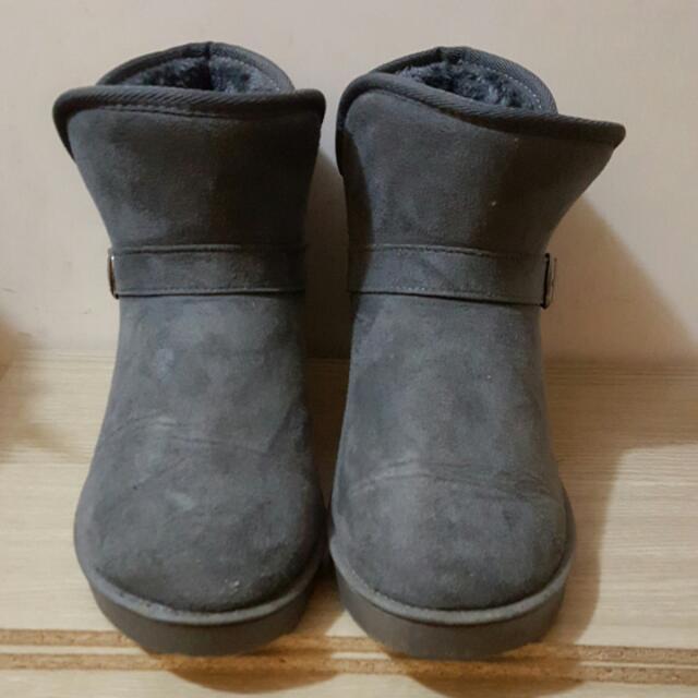含運✨深灰色雪靴