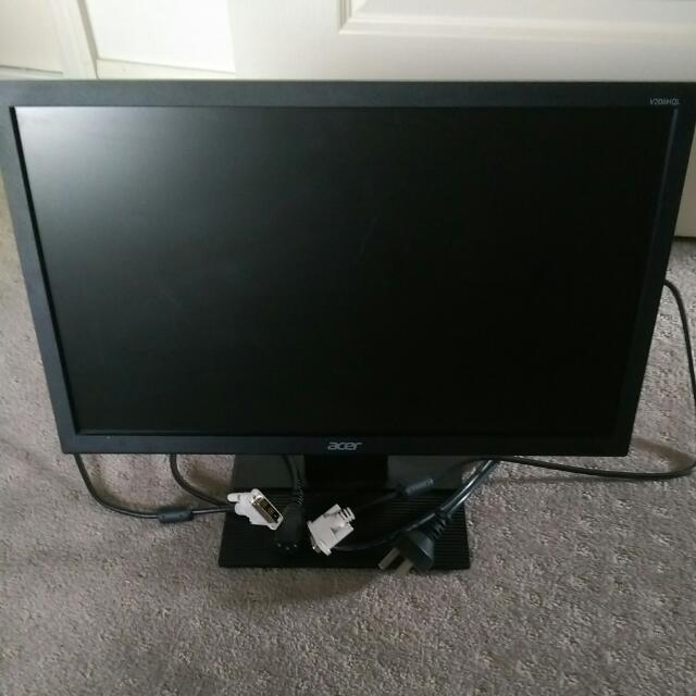 """Acer 19.5"""" With Dvi And Power Cables"""