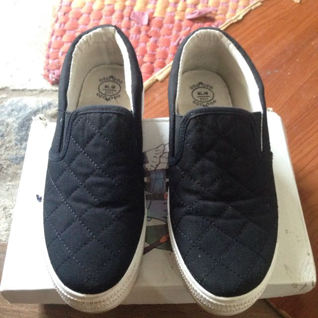 Black Slip On size37