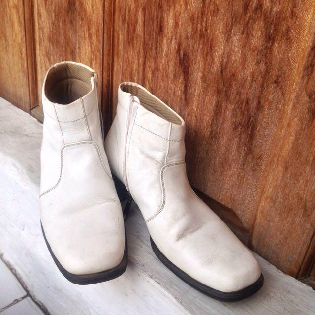 Boots Putih