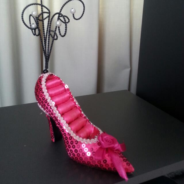 Cute Shoe Ring/jewellery Holder