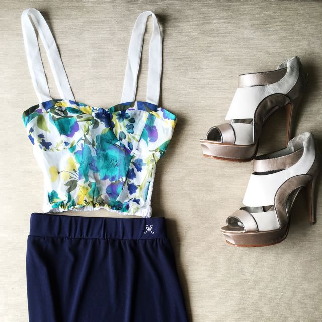 Floral Heart Shaped, Sleeveless, Cropped Top
