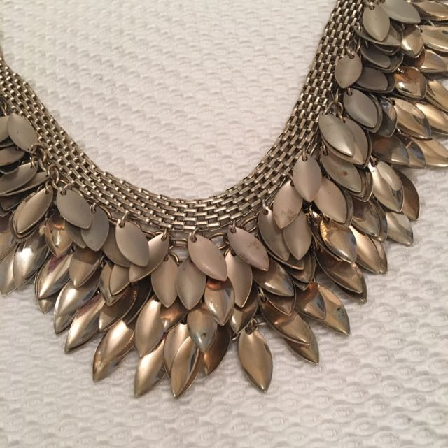 Glamour Gold Necklace