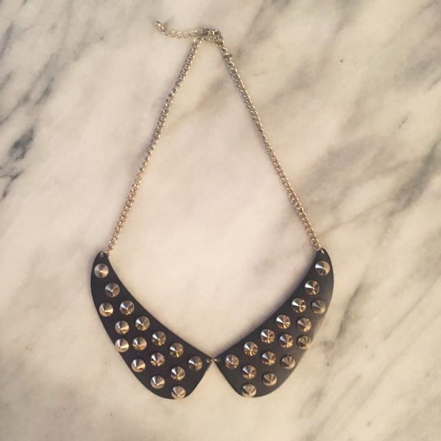 Gold Studded Collar Necklace