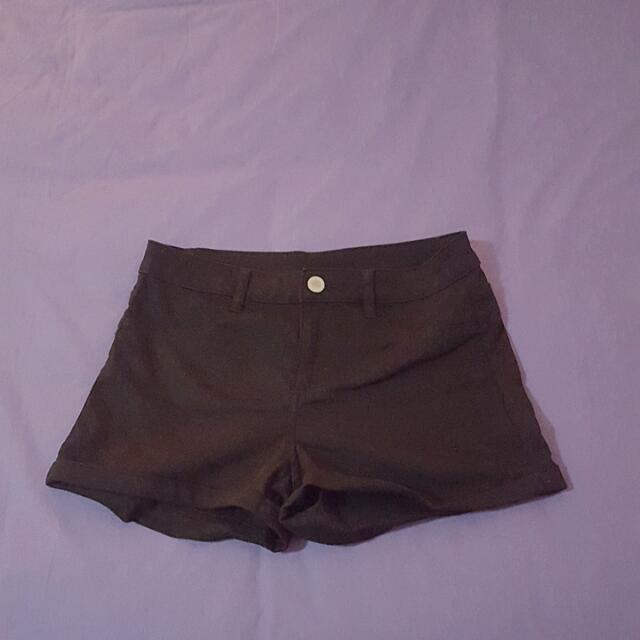 H&M Divided Black High Waist Short