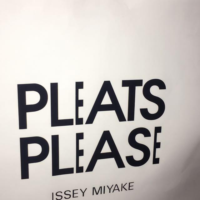 PLEATS 山宅ㄧ生女用手提包(日本限量版)