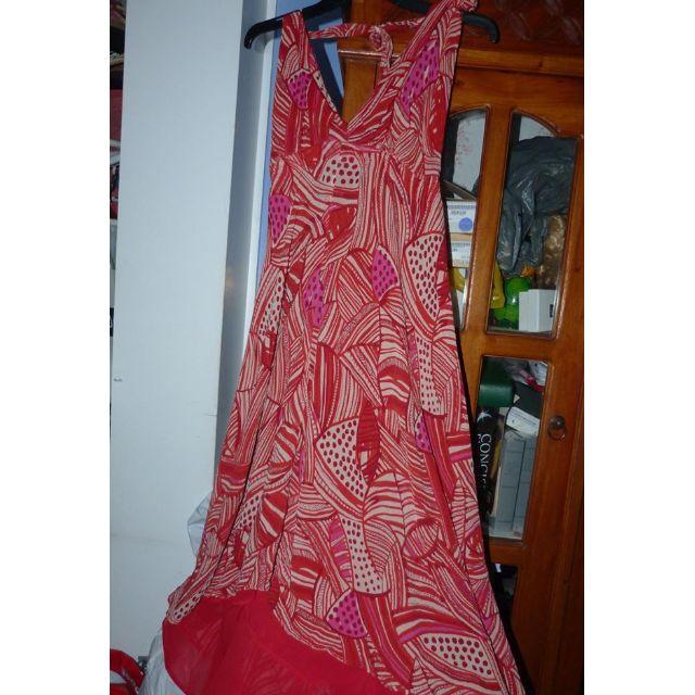 Sacha Drake (Australian Designer) 100% silk halter neck dress, lined, beautiful for summer in euc size 12