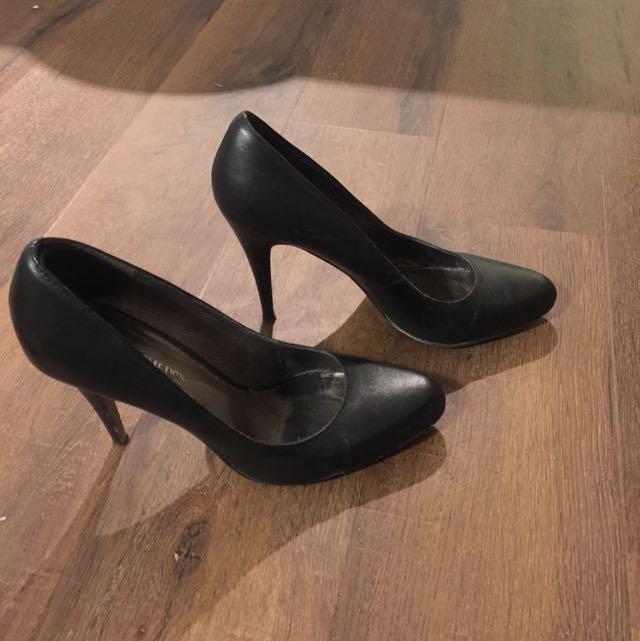 Size 9 Black Pumps