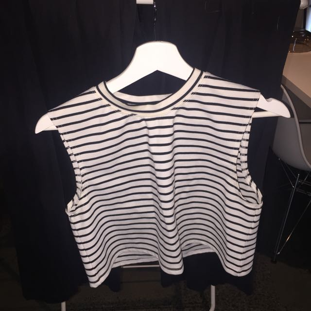 The Fifth Cropped Tee