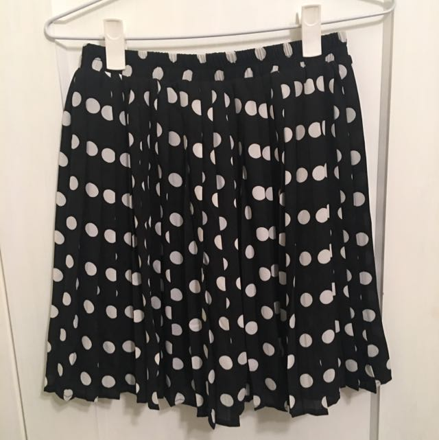 Uniqlo Polka Dot Pleated Skirt - Size Small