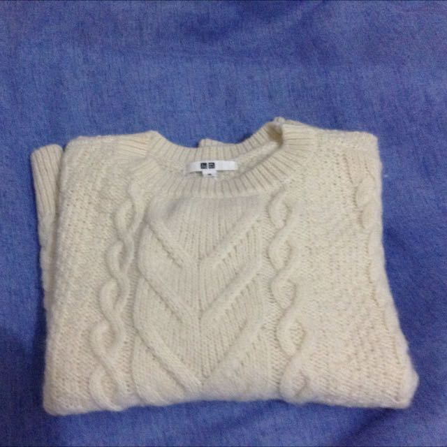 Uniqlo White cable sweater