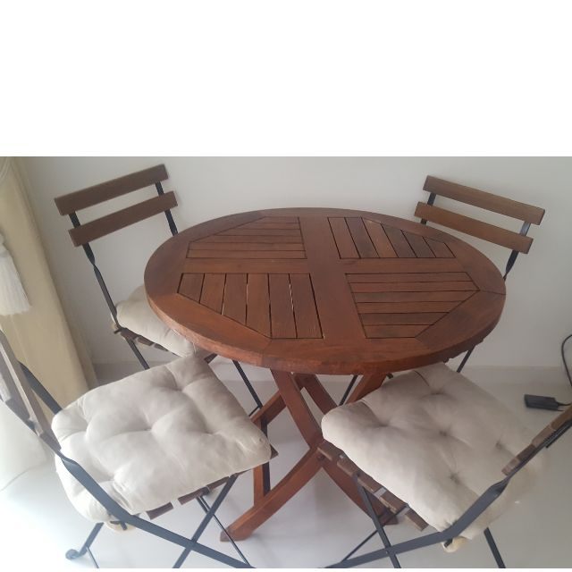Wood Round Table With 4 Wood Chairs Cushions Included Furniture