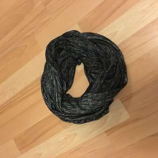 Wilfred Free Infinity Scarf