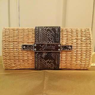 🔥Price Drop🔥Guess Clutch Purse previously listed $25