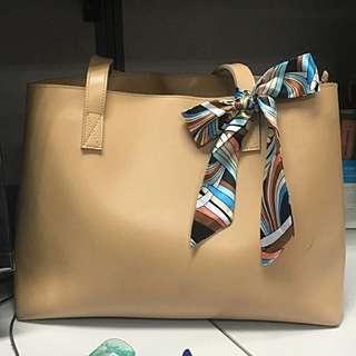 Elegant beige bag (Markdown)