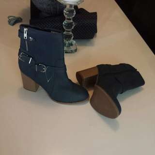 New Size 10 Womens Ankle Boots