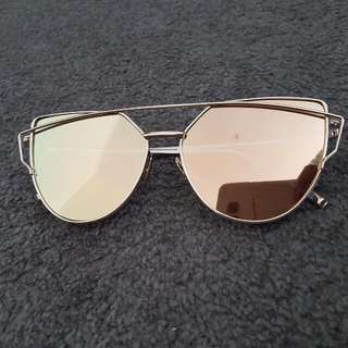 Sunnies Gold Colour