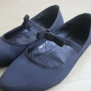 Four Pairs Shoes For 500php