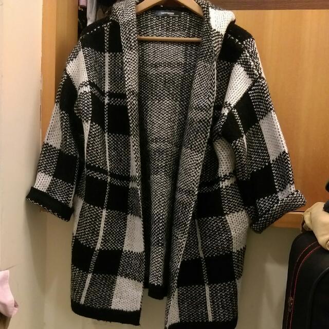 黑白格粗針織毛衣外套