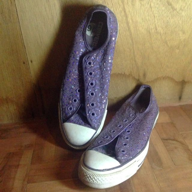 Authentic All Star Converse 9.5 Women's