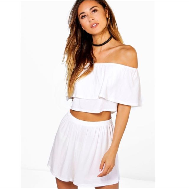 Brand New Bohoo Off The Shoulder Top And Shorts