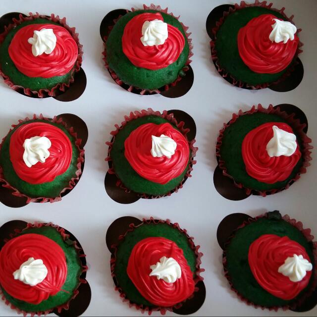 Dozen Of Cup Cakes