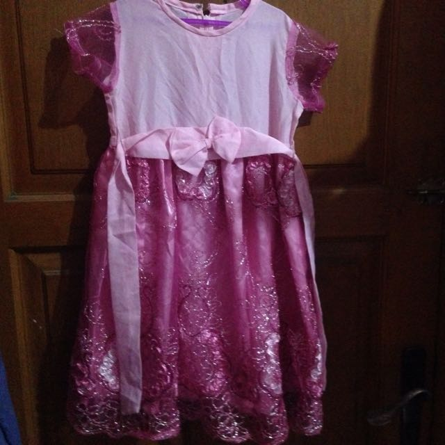 Gaun Pink Cantik
