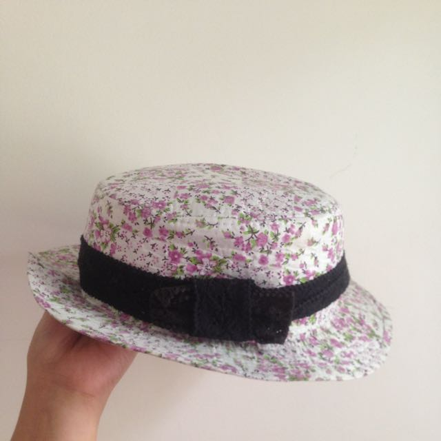 Hat (TLTSN)