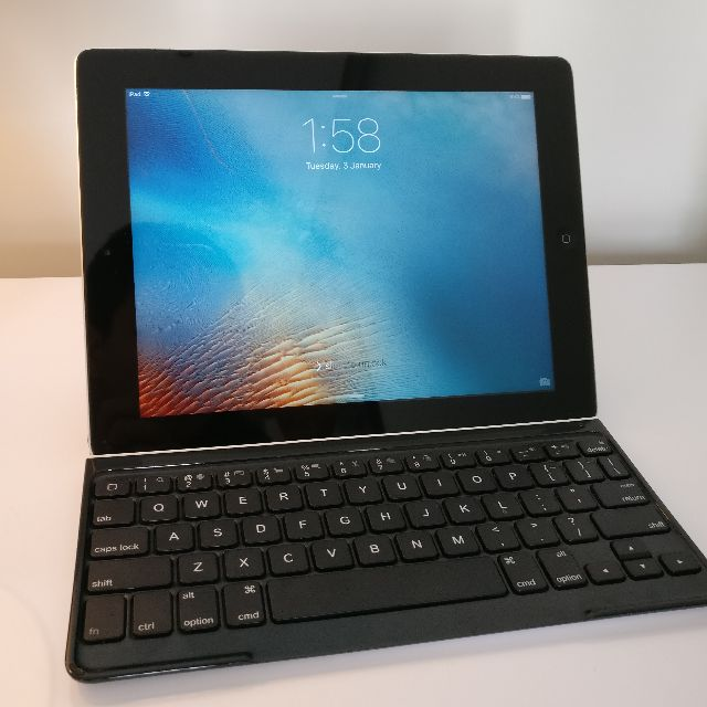 iPad 3 64GB with Logitech keyboard cover