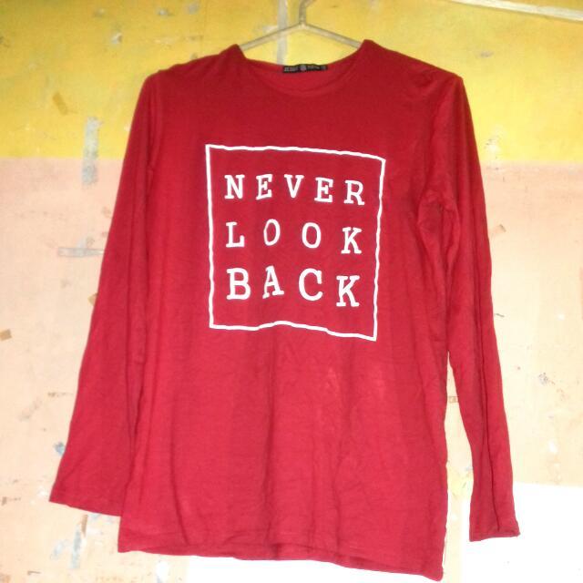 Preloved Long Sleeves T-shirt Gee Eight Merah
