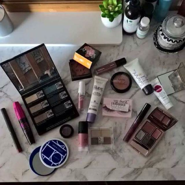 MAKEUP CLEAROUT